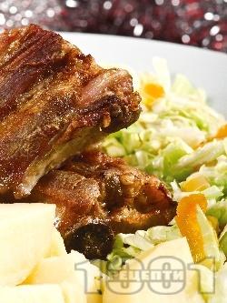 Печени свински гърди на фурна с картофи, зеле и сушени кайсии - снимка на рецептата